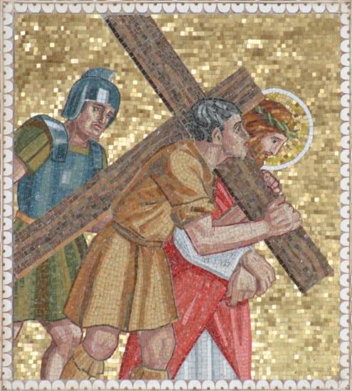 Simon_of_Cyrene_helps_Jesus_carry_His_cross_004